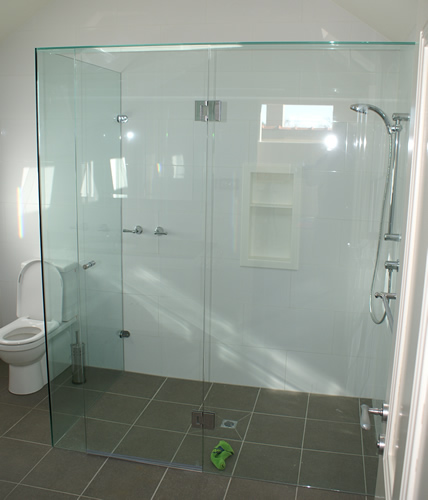 Framed Shower Screen With Obscure Glass